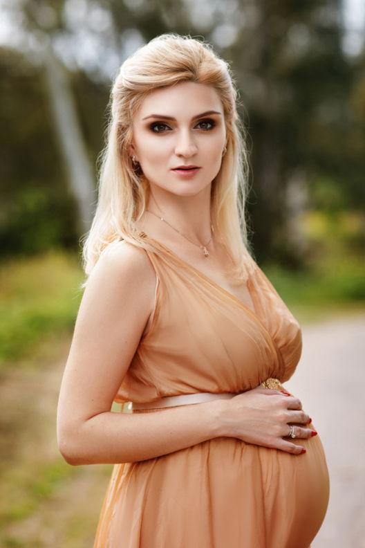 אולגה - ויקטוריה מנשירוב - סטודיו לצילום