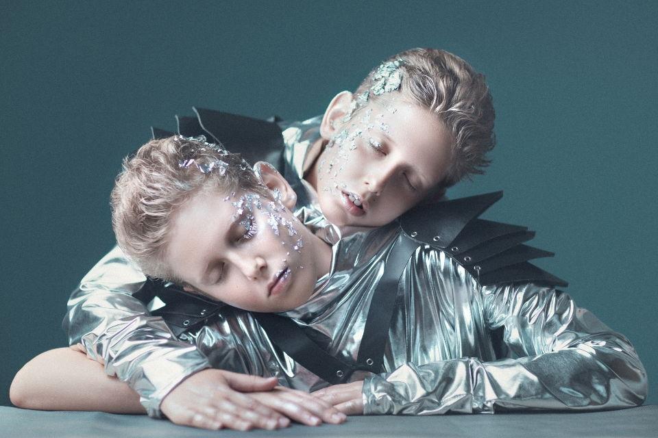 מיכאל ופימה תאומים - ויקטוריה מנשירוב - סטודיו לצילום