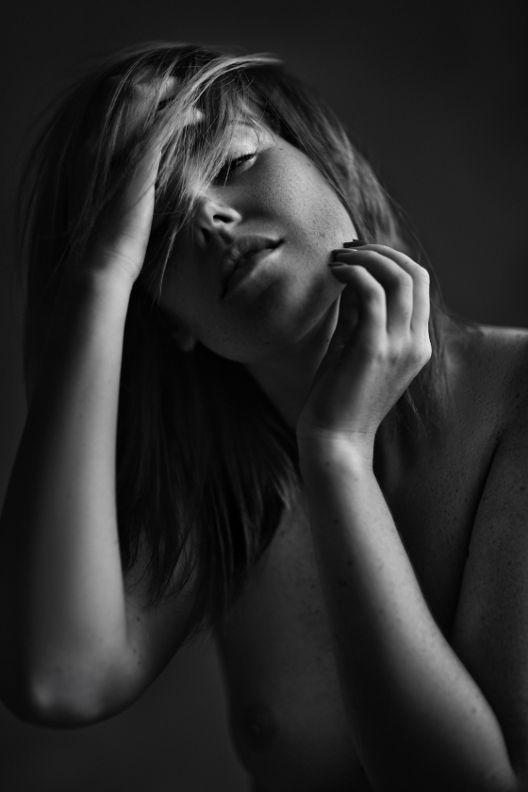 אליסה - ויקטוריה מנשירוב - סטודיו לצילום