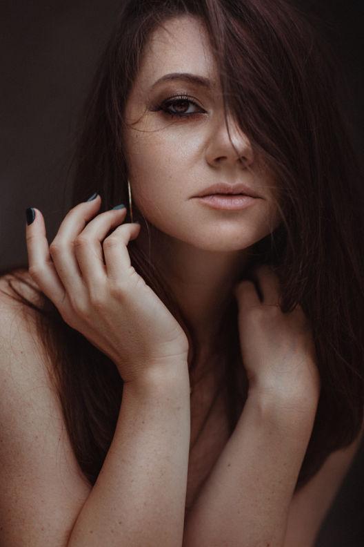 סווטלנה - ויקטוריה מנשירוב - סטודיו לצילום