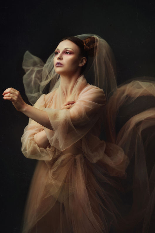 יוליה - ויקטוריה מנשירוב - סטודיו לצילום
