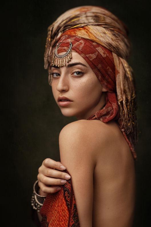 שרה - ויקטוריה מנשירוב - סטודיו לצילום