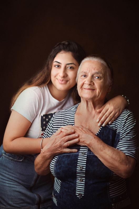 бабушка и ее внуки - Виктория Манаширов - Фотостудия, Фотостудия, Художественная фотография